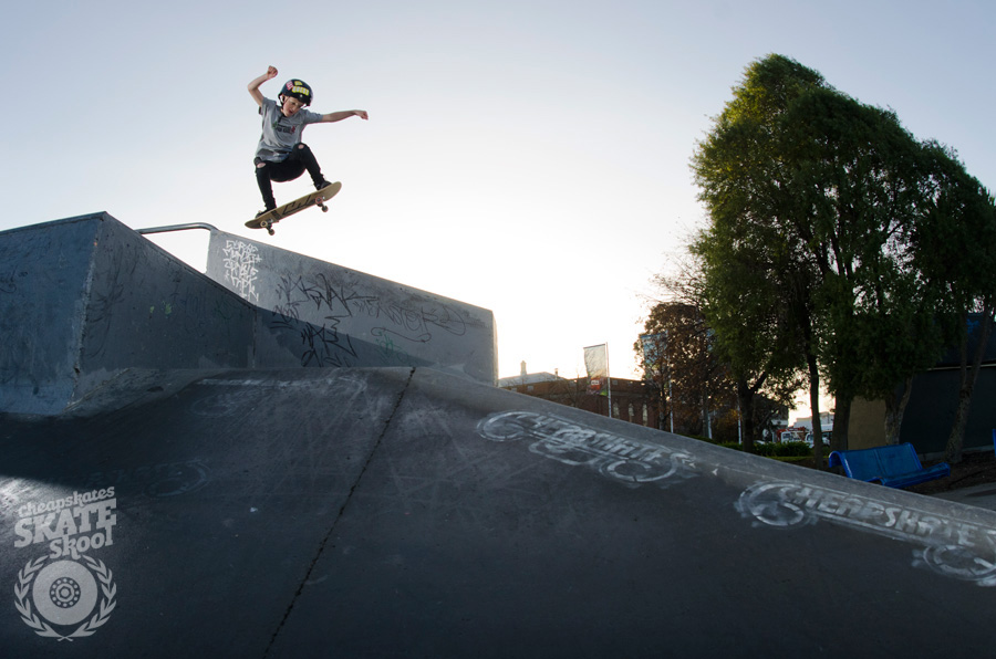 Saul Titheridge » Ollie down to the bank